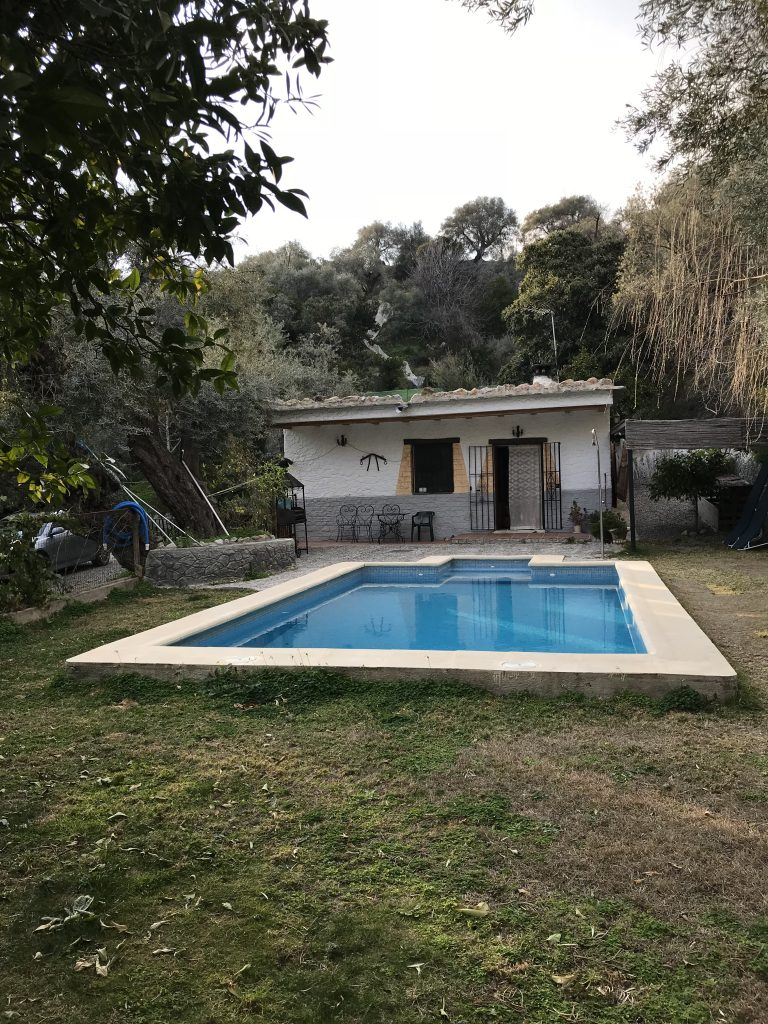 The cute little cortijo that felt smaller than its gorgeous swimming pool.